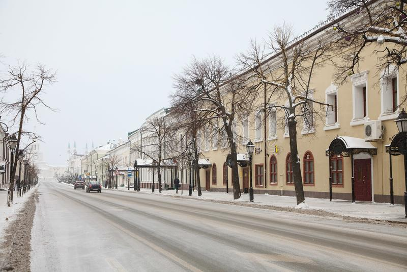 Straat die tot het Kremlin in Kazan leidt royalty-vrije stock fotografie