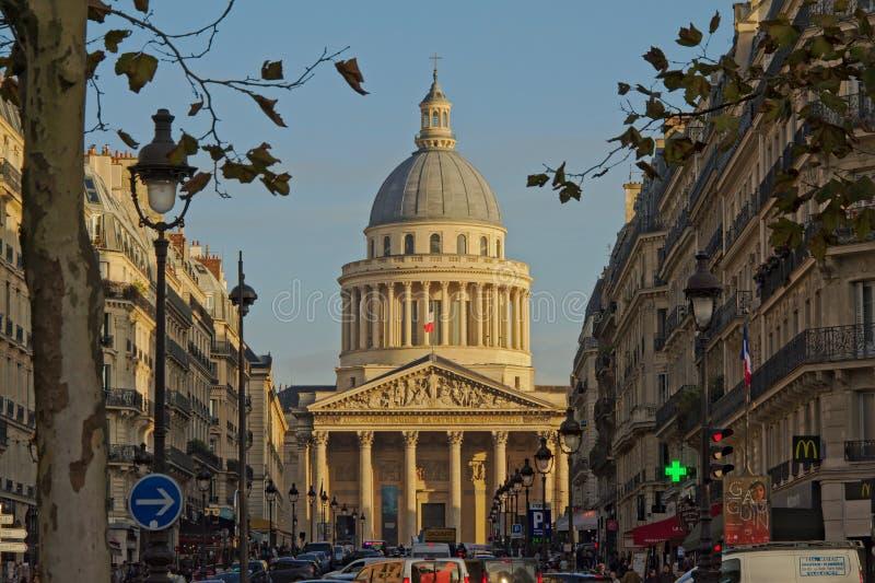 Straat die tot het Pantheon, Parijs, Frankrijk leiden stock fotografie