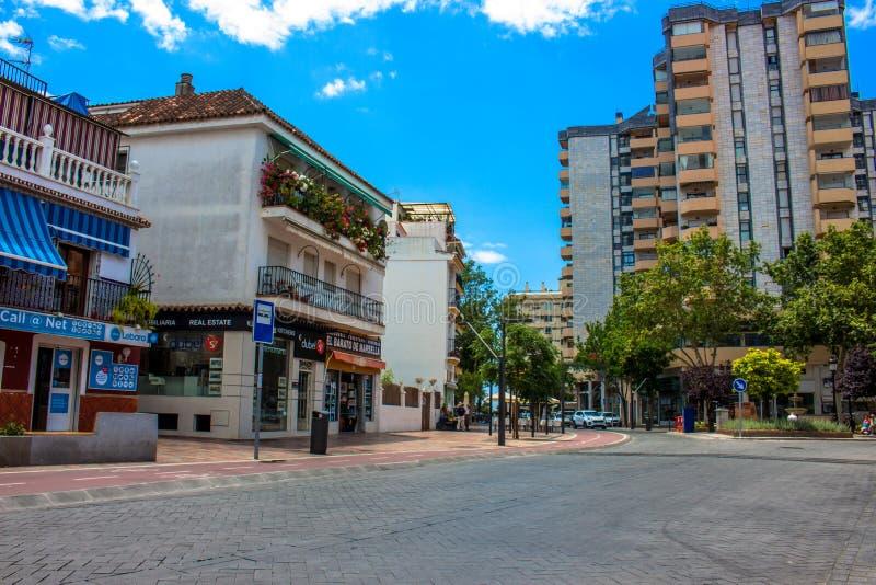 straat Een zonnige dag in de straat van Marbella royalty-vrije stock foto's