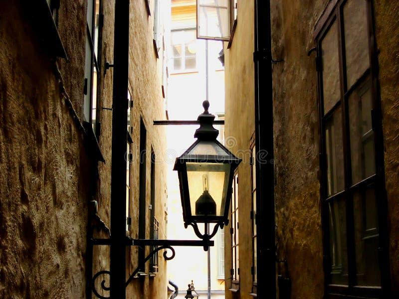 Download Straat en een lamp stock afbeelding. Afbeelding bestaande uit straat - 280937