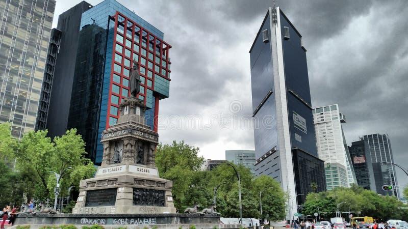 Straat in Mexico-City stock foto's