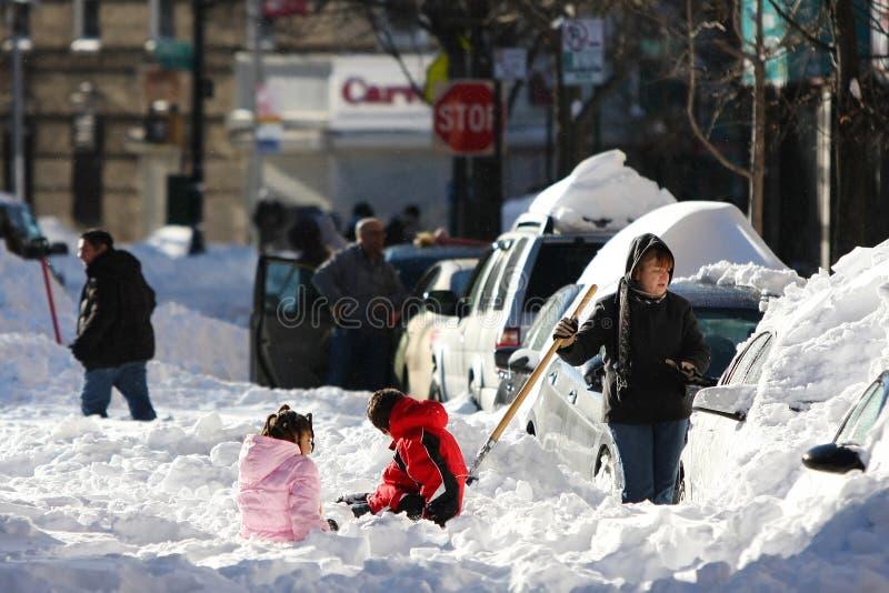 Straat onder sneeuw