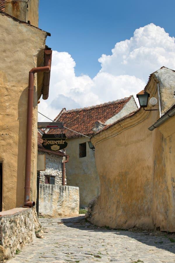 Straat in Rasnov vesting, Transsylvanië stock foto's