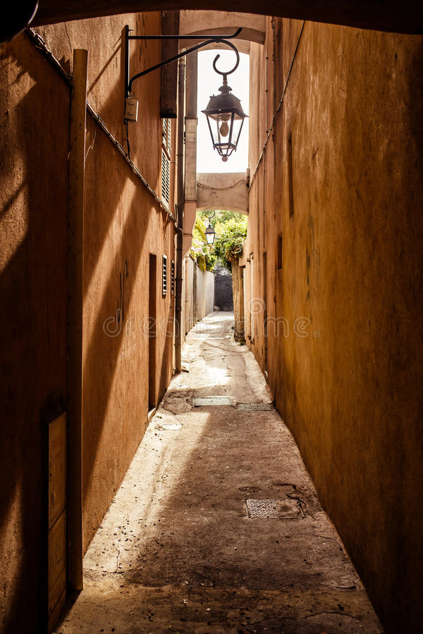 Straat in Saint Tropez stock afbeeldingen