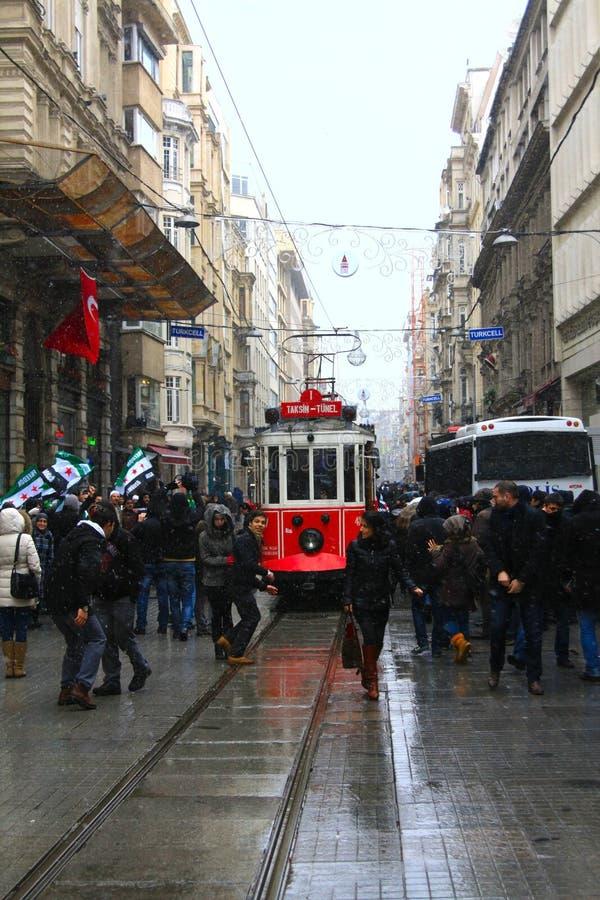 Straat taksim-Istiklal in Istanboel royalty-vrije stock afbeeldingen