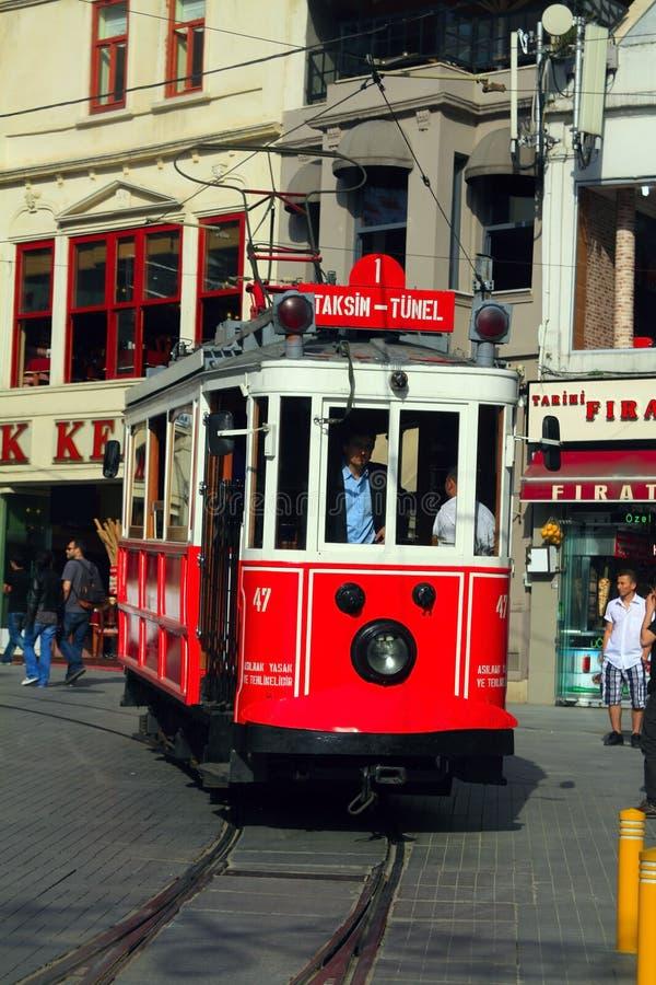 Straat taksim-Istiklal in Istanboel stock afbeeldingen