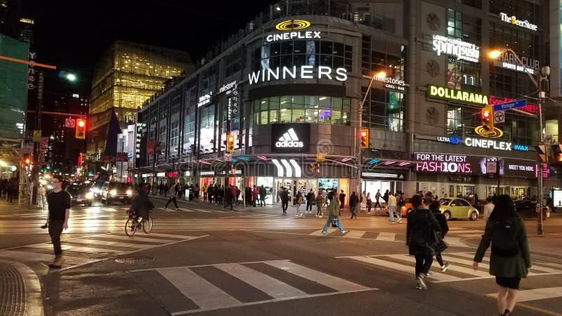 Straat Toronto 's nachts royalty-vrije stock afbeelding