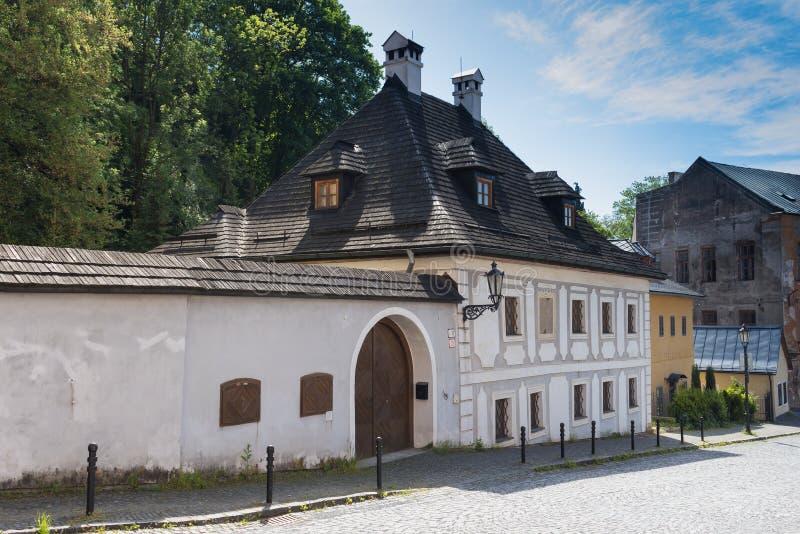 Straat van Banska Stiavnica, Slowakije stock afbeelding