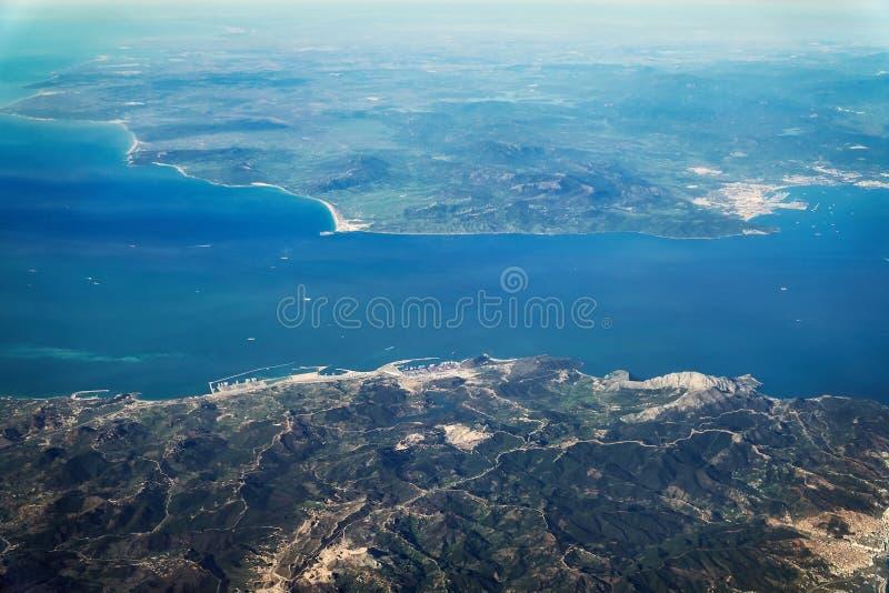 Straat van Gibraltar van het vliegtuig royalty-vrije stock foto's