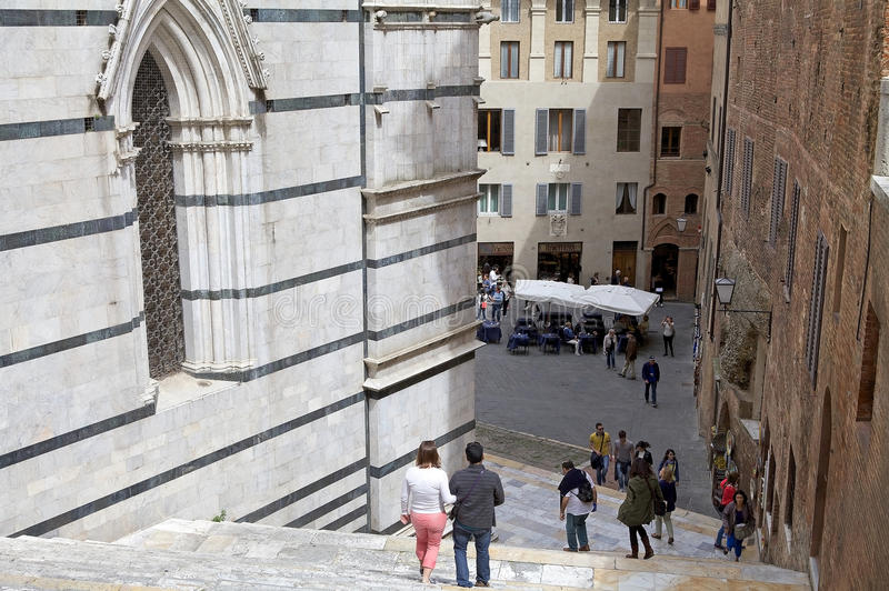 Straat van oude Siena, Toscanië, Italië stock fotografie