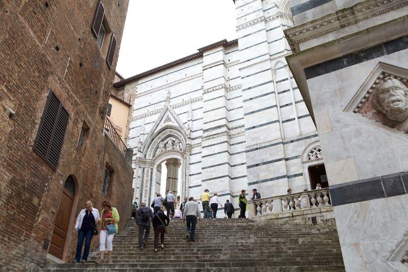 Straat van oude Siena, Toscanië, Italië stock foto