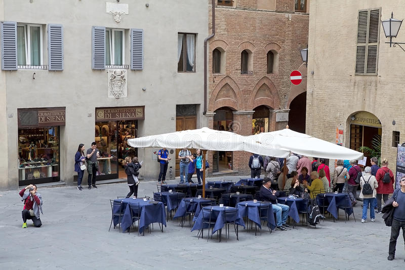 Straat van oude Siena, Toscanië, Italië royalty-vrije stock foto
