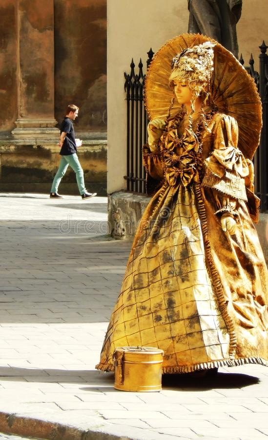 Straatactrice, gouden standbeeld royalty-vrije stock afbeeldingen