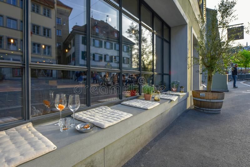 Straatbar in Luzerne stock afbeeldingen