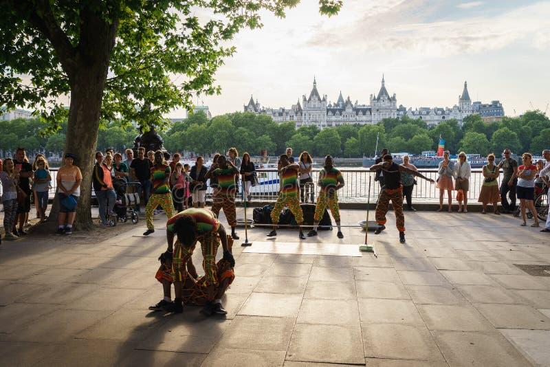 Straatdanser openlucht royalty-vrije stock afbeeldingen