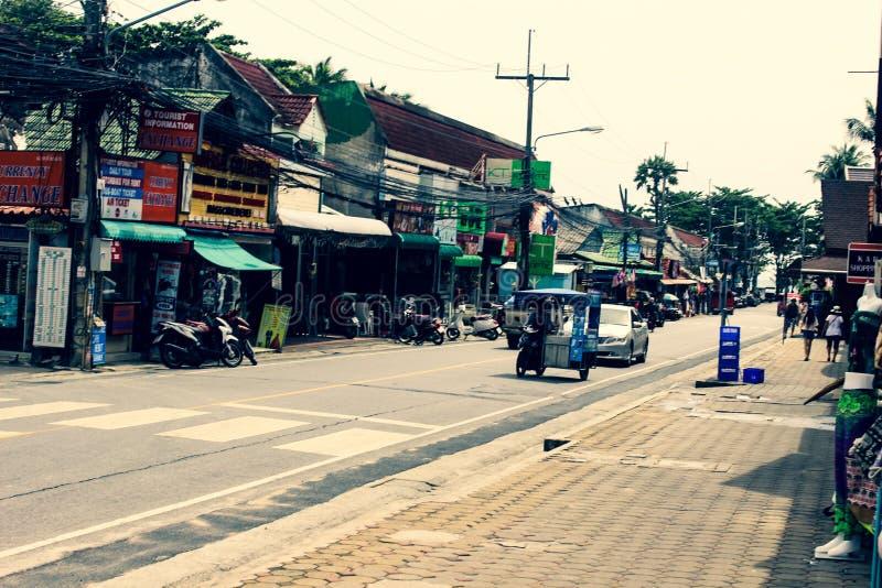 Straathandelaren in het Aziatische dorp stock fotografie