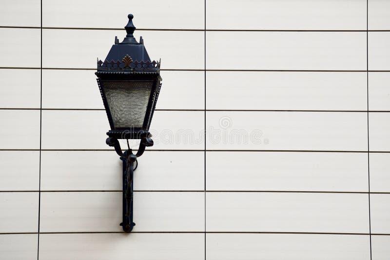 Straatlantaarn in de straat in de stad van Bilbao royalty-vrije stock fotografie