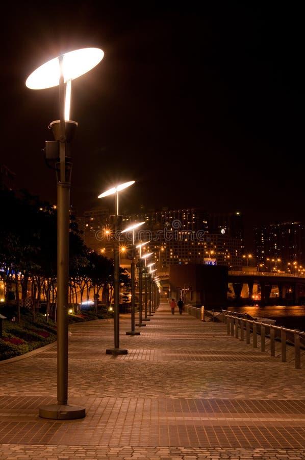 Straatlantaarns bij Victoria haven, Hongkong stock foto's