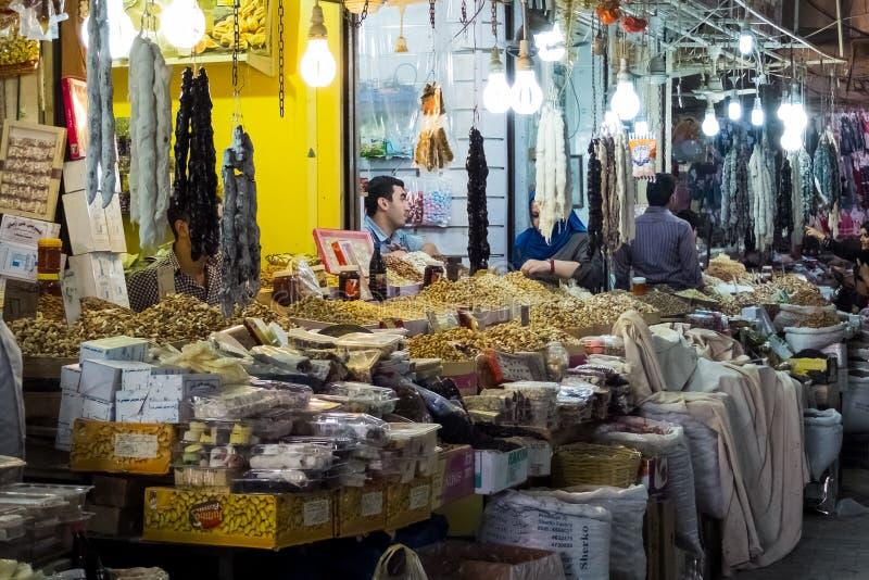 Straatmarkt in de stad van Erbil in Iraaks Koerdistan Juli 2013 stock foto's