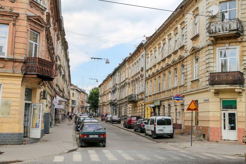 Straatmening in Lviv-Stad waar de grootste stad in de westelijke Oekraïne en de zevende - grootste stad is royalty-vrije stock afbeelding