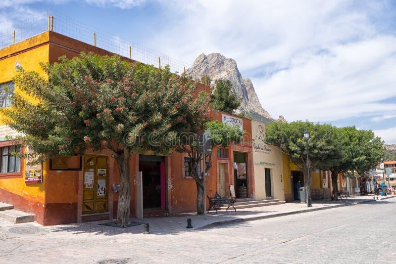 straatmening van Bernal, Queretaro, Mexico stock afbeelding