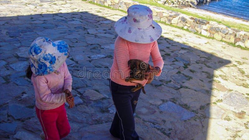 Straatmening van Copacabana in Bolivië, Zuid-Amerika royalty-vrije stock afbeelding
