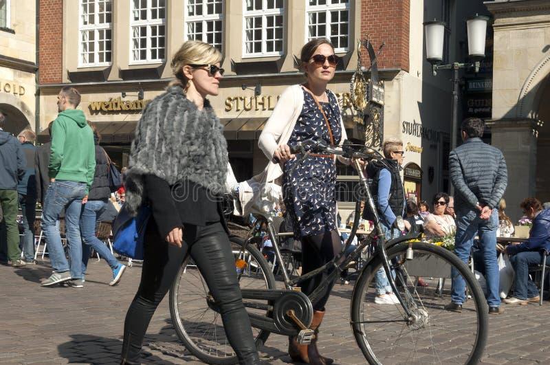 Straatmening van de het winkelen straat Prinzipalmarkt royalty-vrije stock foto's