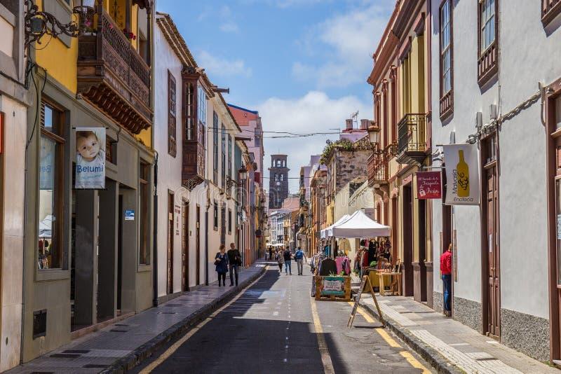 Straatmening van het oude stadscentrum, San Cristobal de La Laguna, Tenerife, Canarische Eilanden, Spanje - 13 05 2018 stock afbeeldingen