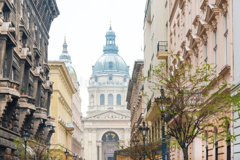 Straatmening van historische architecturaal in Boedapest, Hongarije royalty-vrije stock foto's