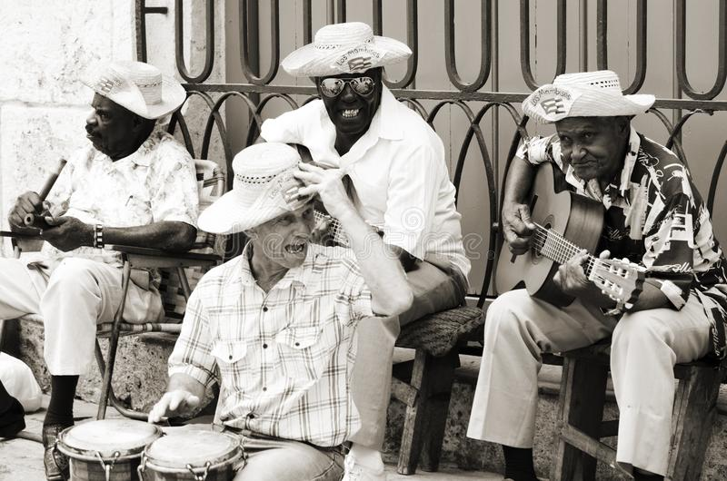 Straatmusici in Havana, Cuba stock afbeelding