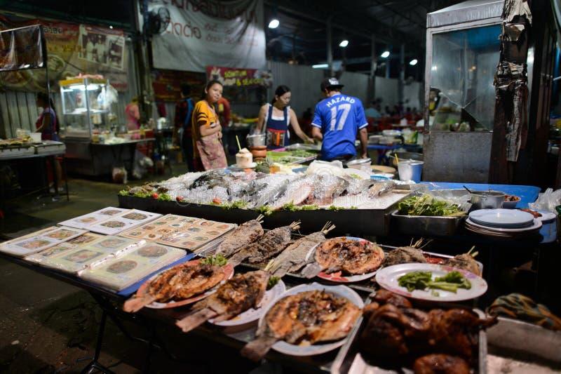 Straatrestaurant in Bangkok stock afbeeldingen