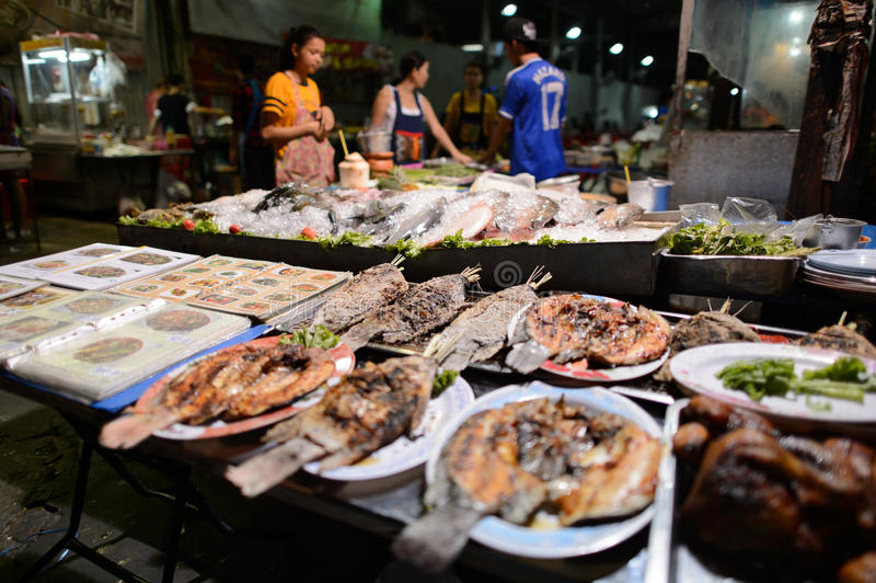 Straatrestaurant in Bangkok stock afbeelding