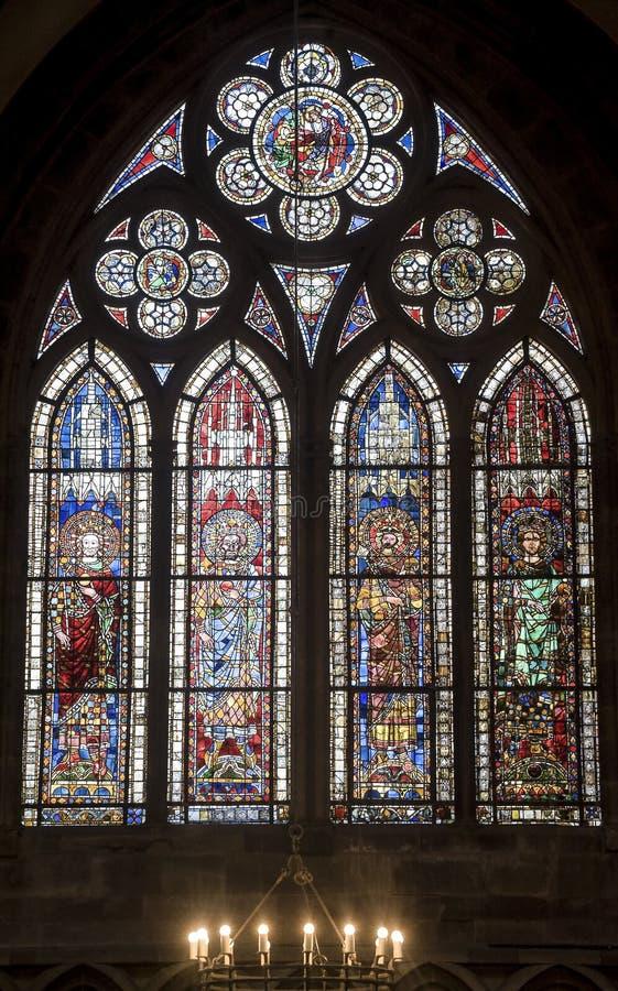 Straatsburg - de gotische kathedraal, gebrandschilderd glas royalty-vrije stock fotografie