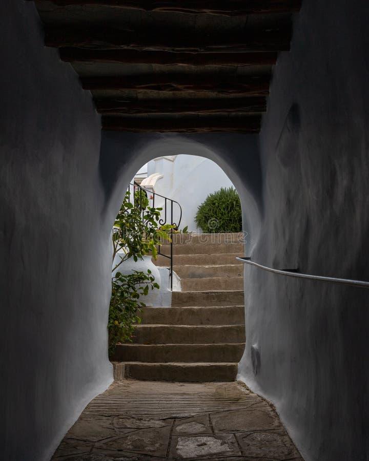 Straatscène op Egeïsch Eiland Tinos, Griekenland royalty-vrije stock afbeeldingen