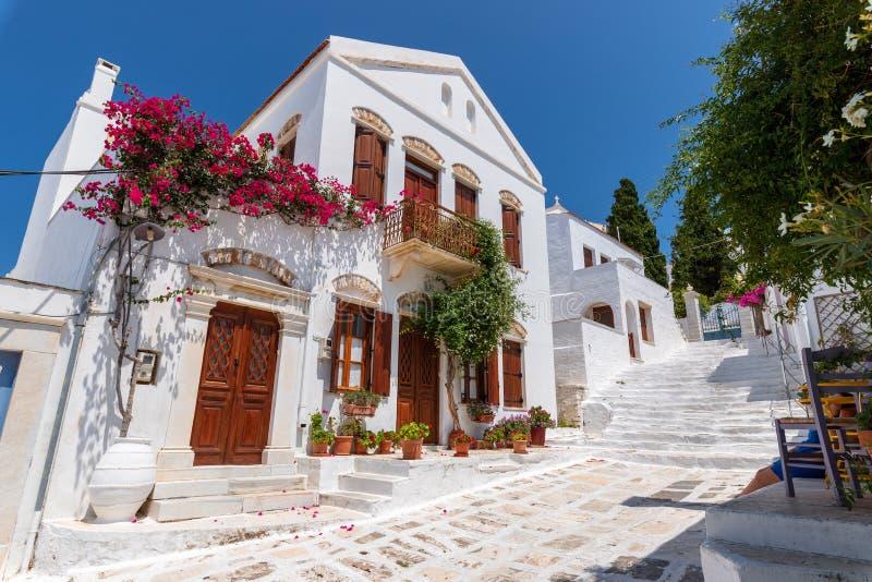 Straatscène, op Egeïsch Eiland Tinos, Griekenland royalty-vrije stock foto