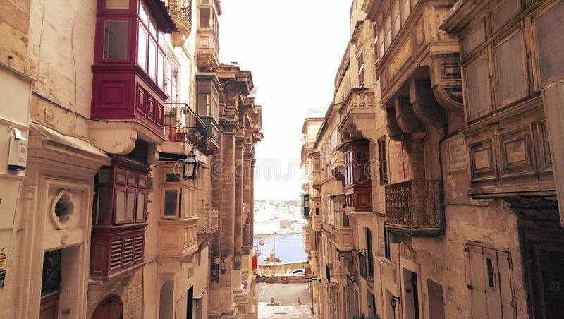 Straatscène in Valletta stock fotografie