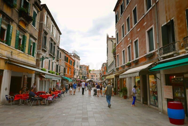 Straatscène in Venetië stock afbeelding
