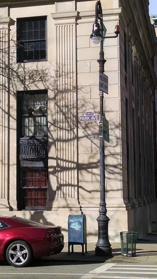 Straatteken voor Parkave in de Stad van New York stock foto