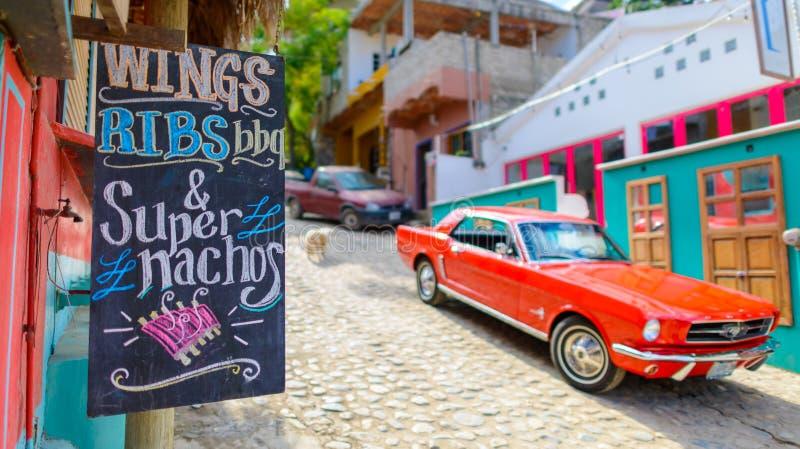 Straatvoedsel in sayulitastad, dichtbij puntamita, Mexico royalty-vrije stock foto's