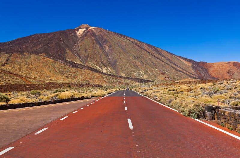 Strada al vulcano Teide all'isola di Tenerife - canarino fotografia stock