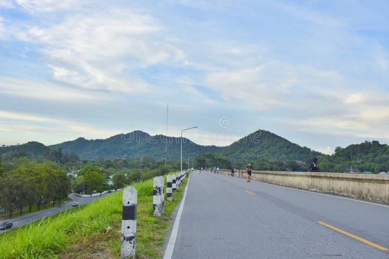 Strada alla montagna in Tailandia fotografia stock