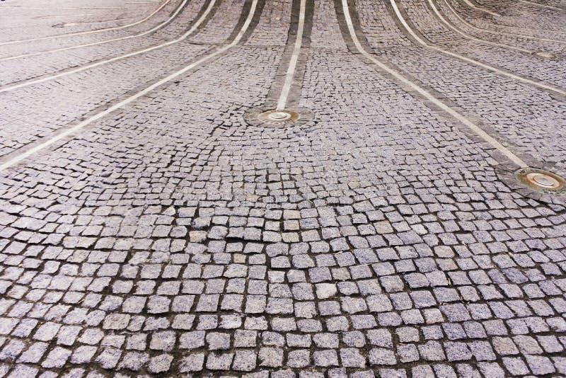Strada con le linee ed i mattoni fotografia stock libera da diritti