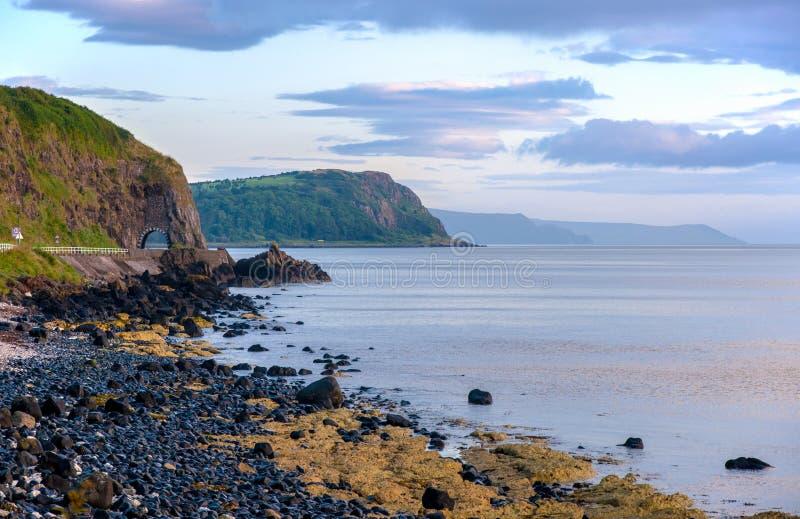Strada costiera di Antrim in Irlanda del Nord fotografia stock