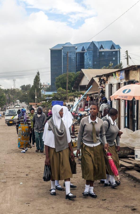 Strada dei negozi a Arusha fotografia stock