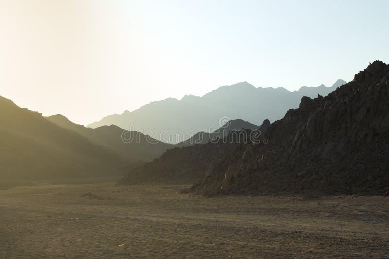 Strada del deserto, paesaggio vulcanico fotografia stock libera da diritti