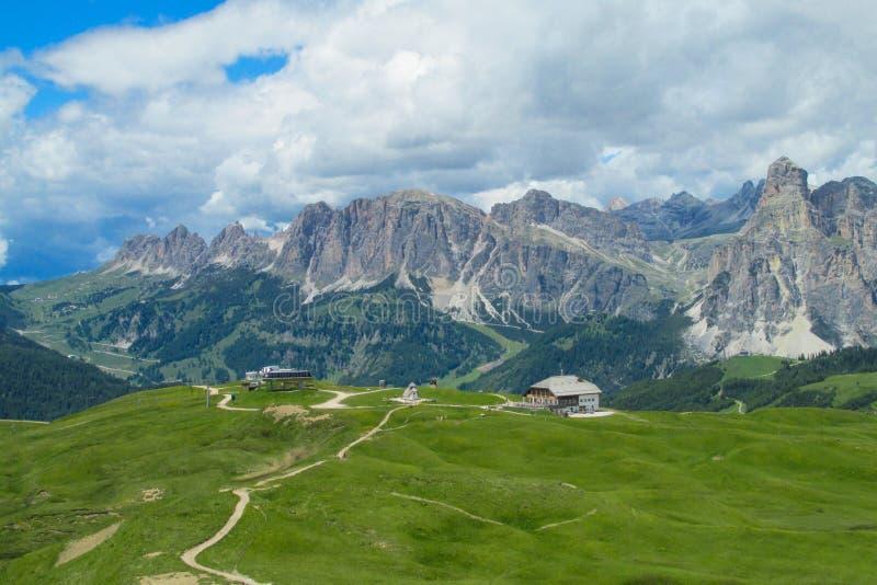 Strada della montagna nel Apls fotografie stock libere da diritti