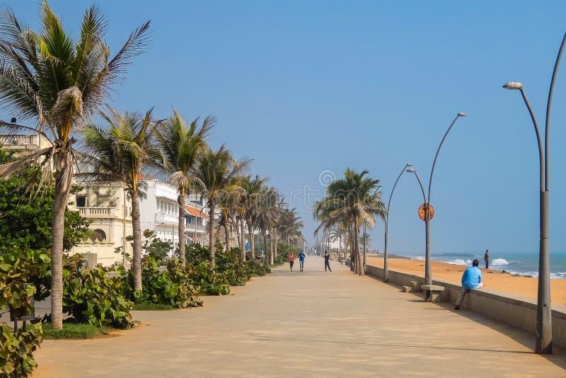 Strada della spiaggia della passeggiata in Pondicherry fotografia stock libera da diritti