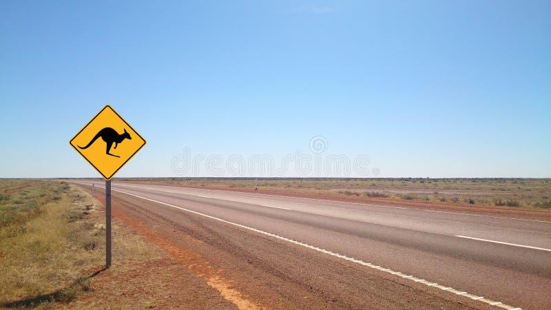 Strada di entroterra del paese nelle gamme del Flinders fotografia stock libera da diritti