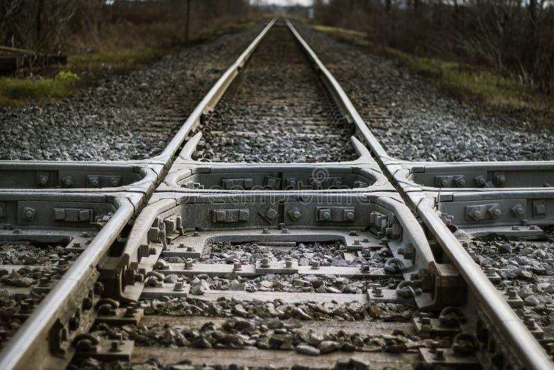 Strada di ferrovia dell'incrocio immagine stock