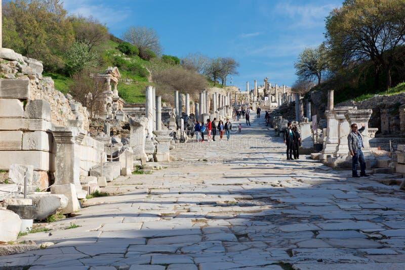 Strada di marmo La città antica di Ephesus Efes sul tempo di Roma immagine stock libera da diritti